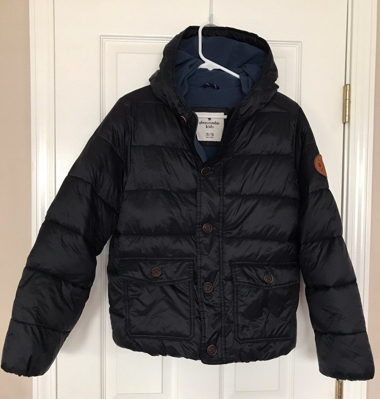 Abercrombie navy blue puffy coat