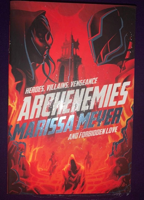Archenemies- Marissa Meyer