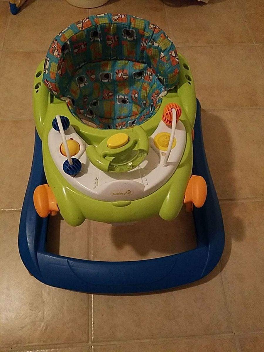 Baby safety walker