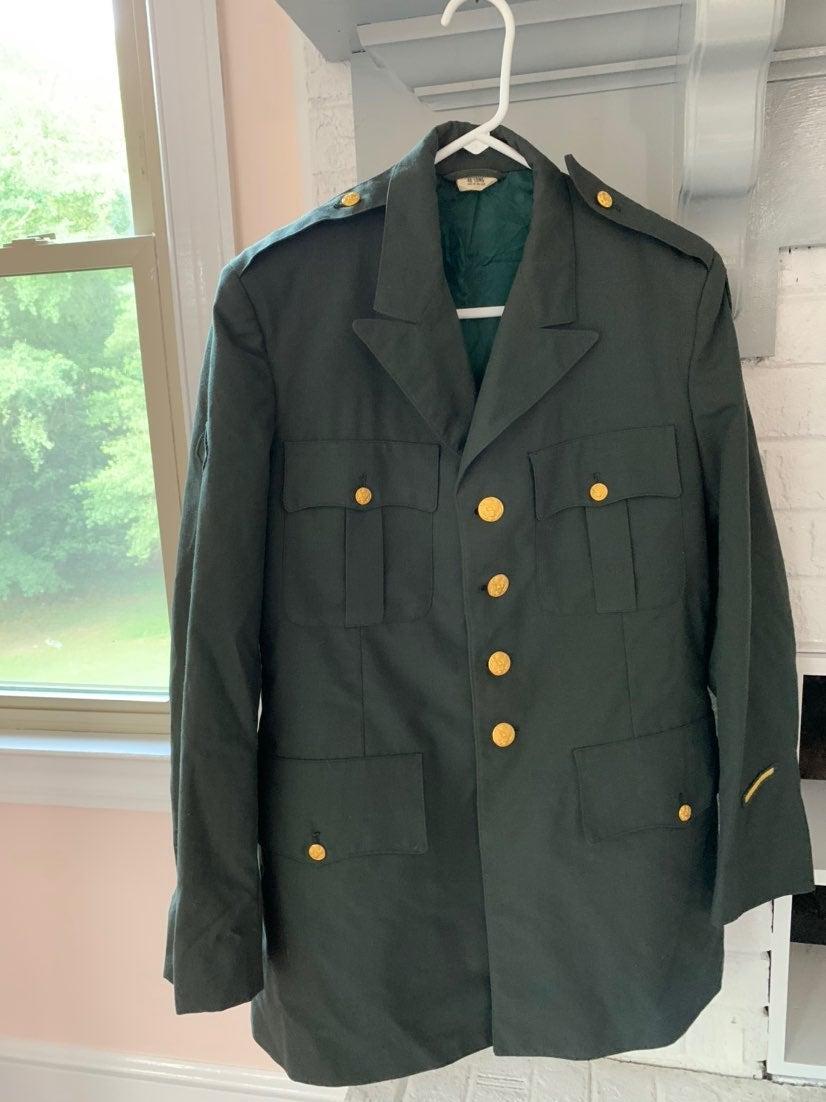 Vintage Vietnam Era Army Jacket 40L