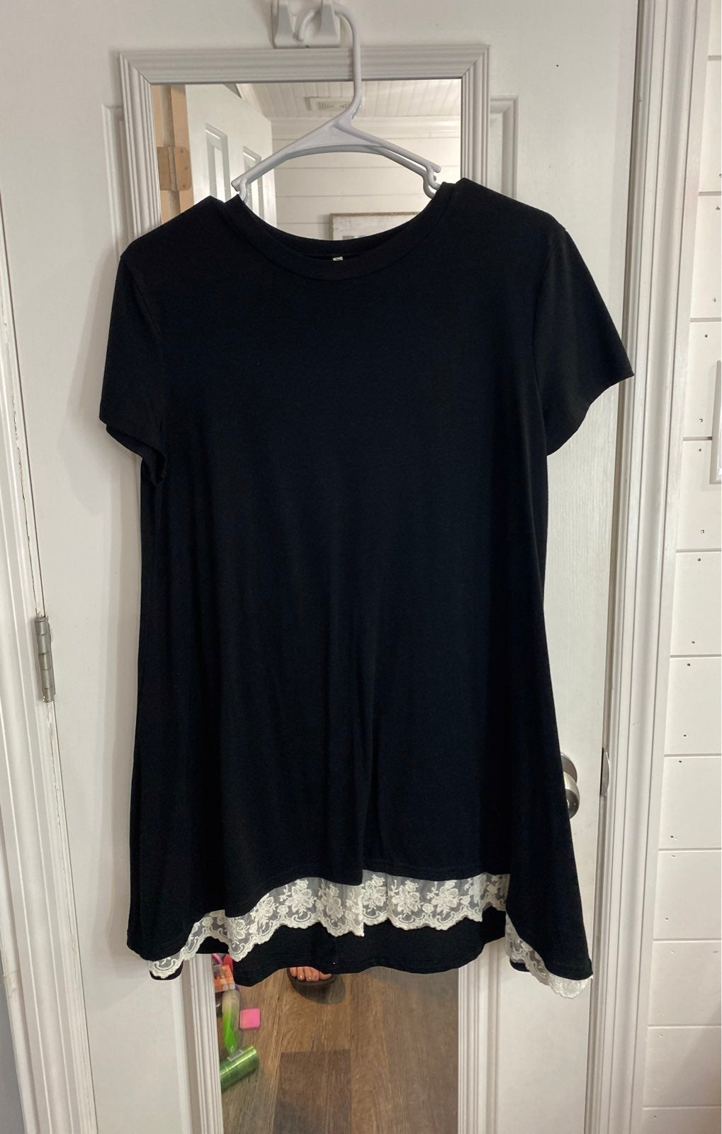 CHARLOTTE RUSSE SMALL SHORT SLEEVE