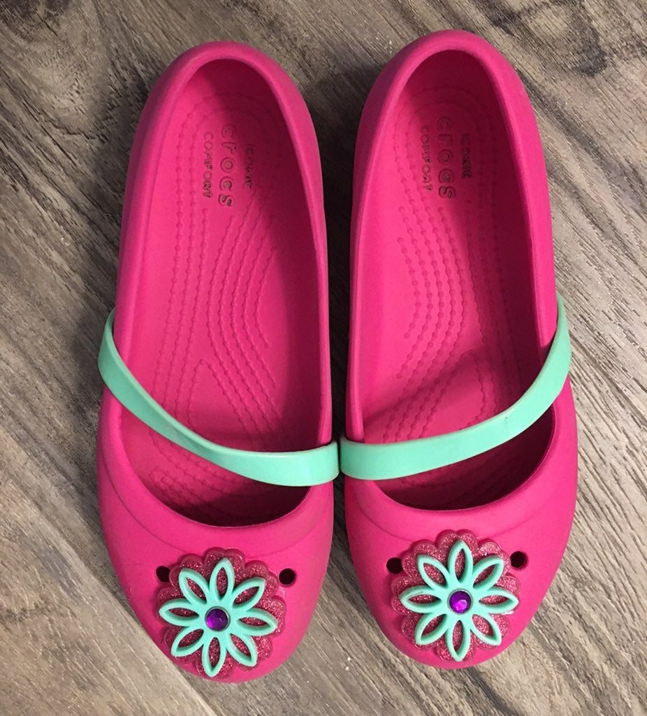 Girls crocs pink flats sz J 1