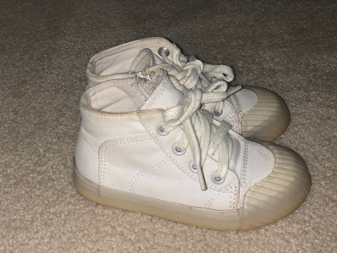 Baby shoes size 7