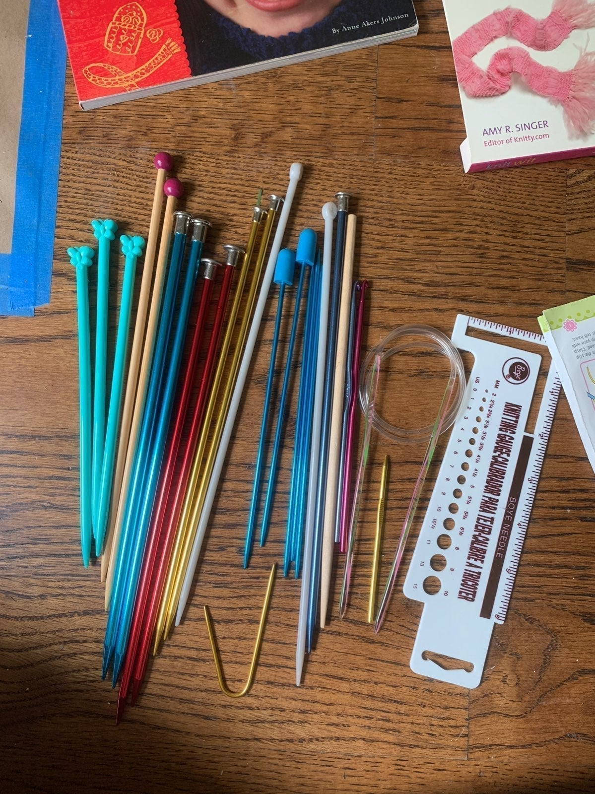 Assortment of knitting needles