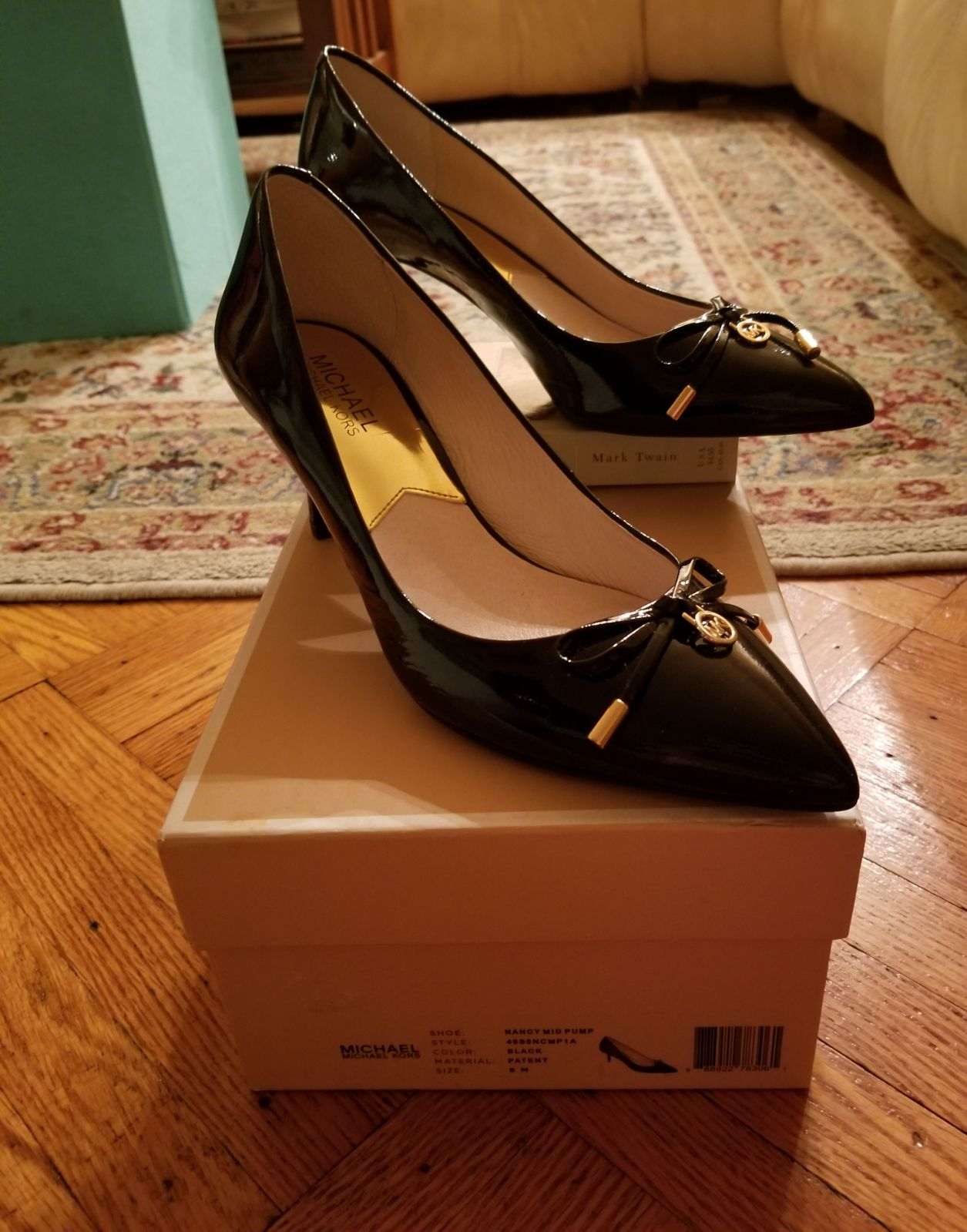 Michael Kors- Nancy Mid Pump Black (8M)