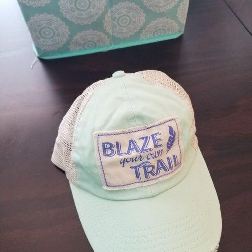 Womans Blaze your own Trail hat