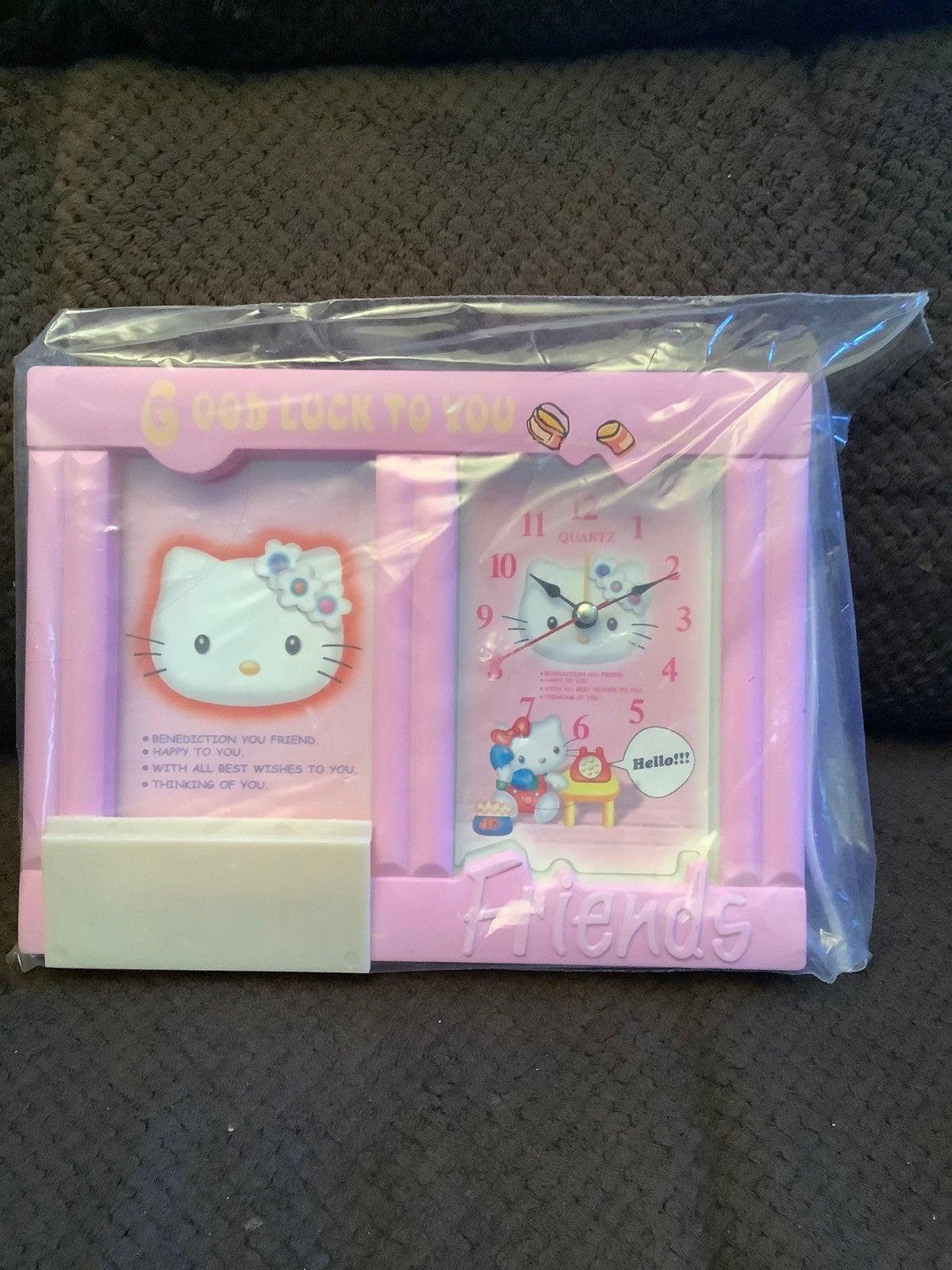 NIB Quartz  Hllo Kitty clock