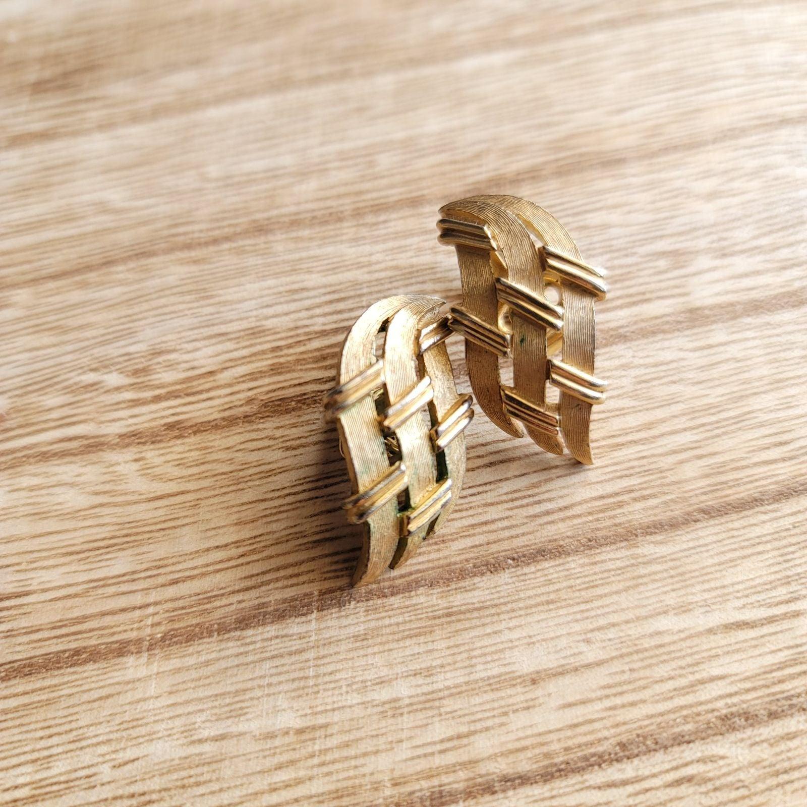 80s gold lattice clip on earrings