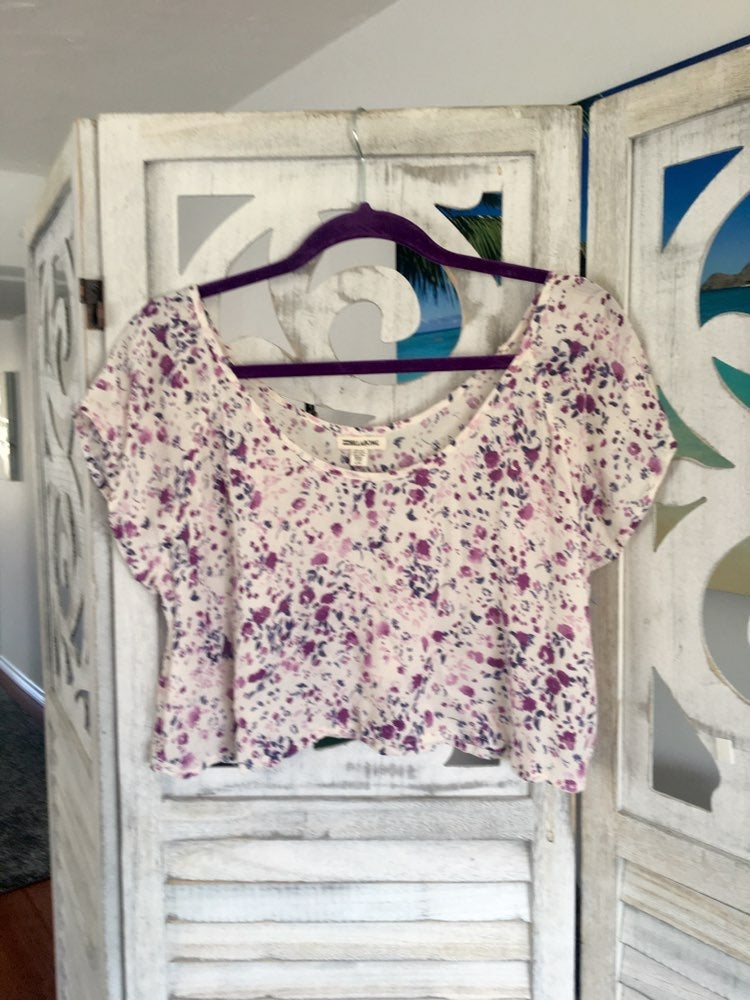Billabong midriff blouse