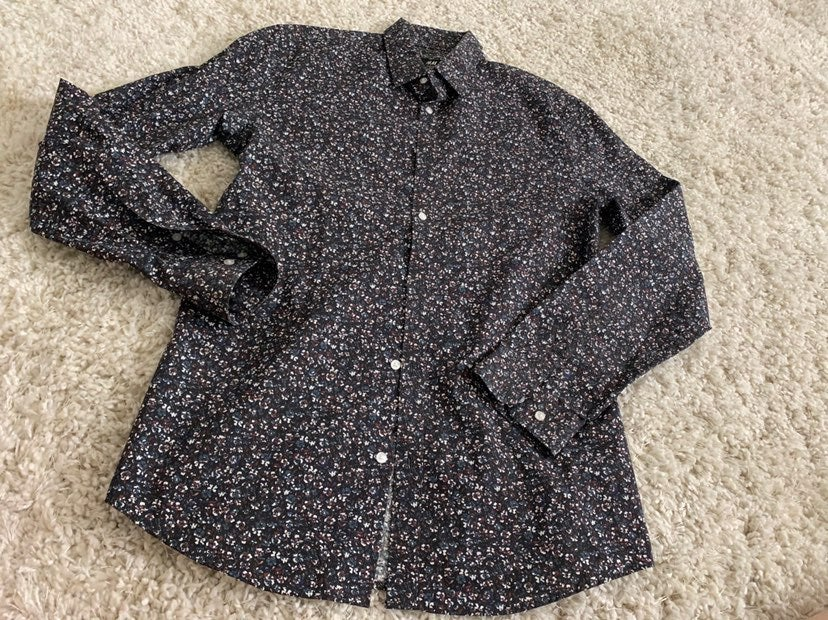 """NEW """"H&M"""" Floral Dress Shirt"""