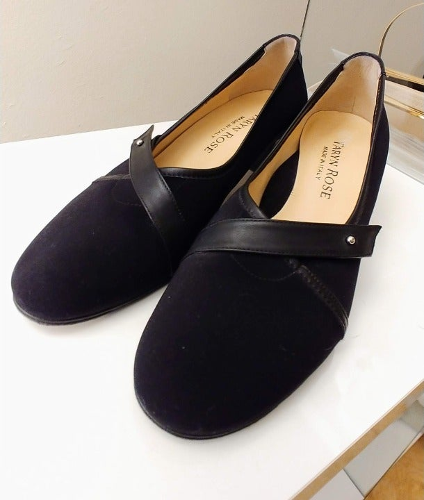 Taryn Rose Shoes 7.5M Black