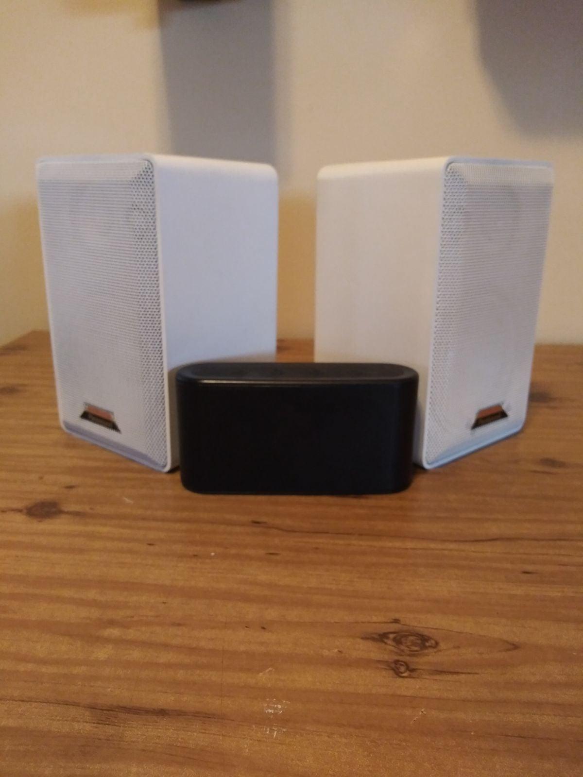 Indoor/outdoor KLH water proof speakers