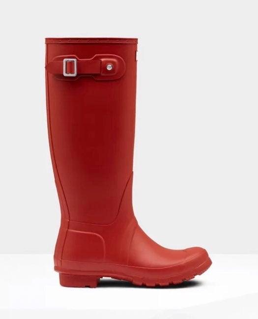 Hunter Original Tall Rain Boots in red/o