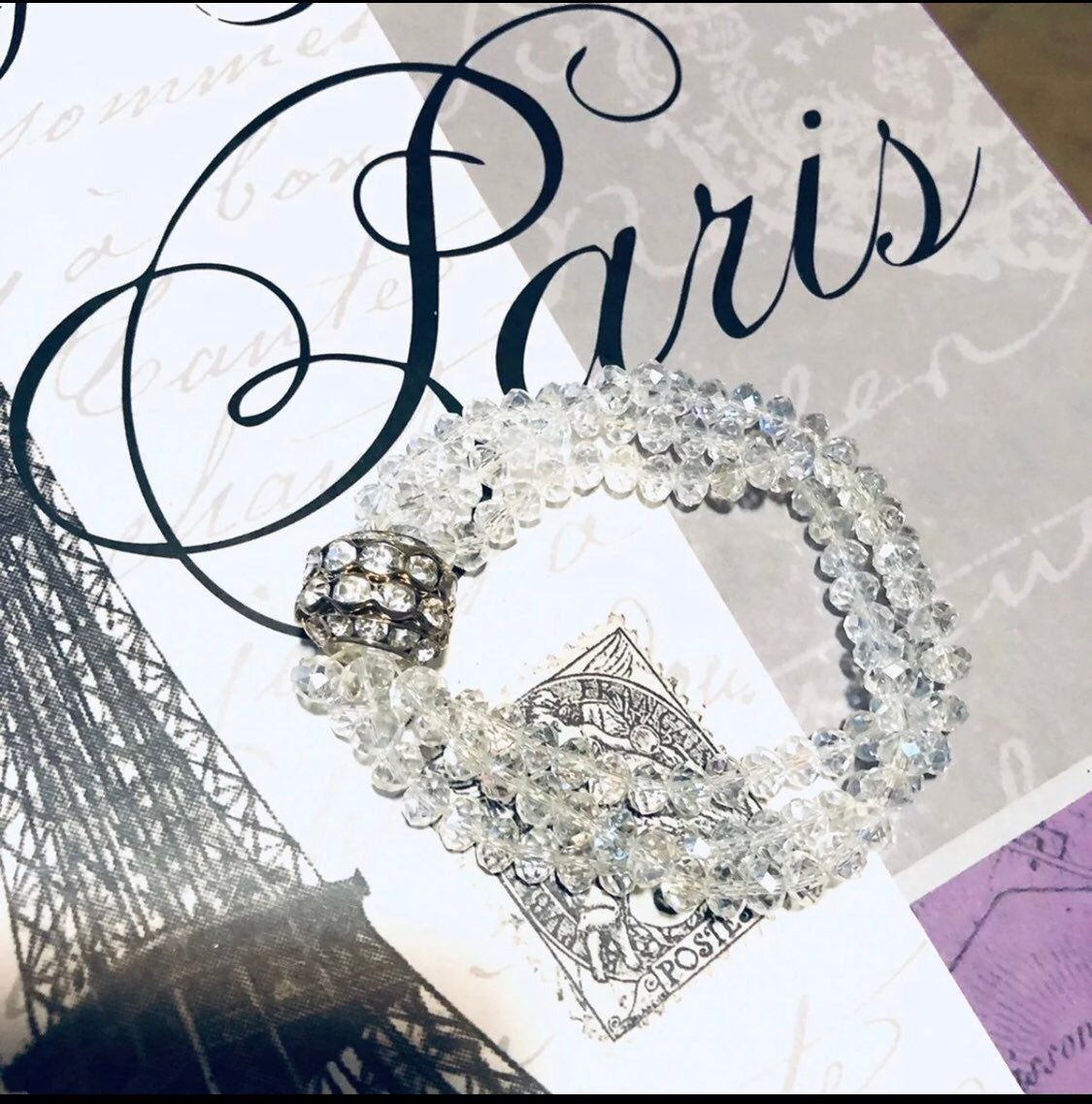 Bracelet slip on w large bead crystals