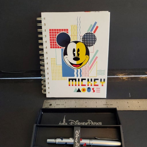 Disney journal and pen set