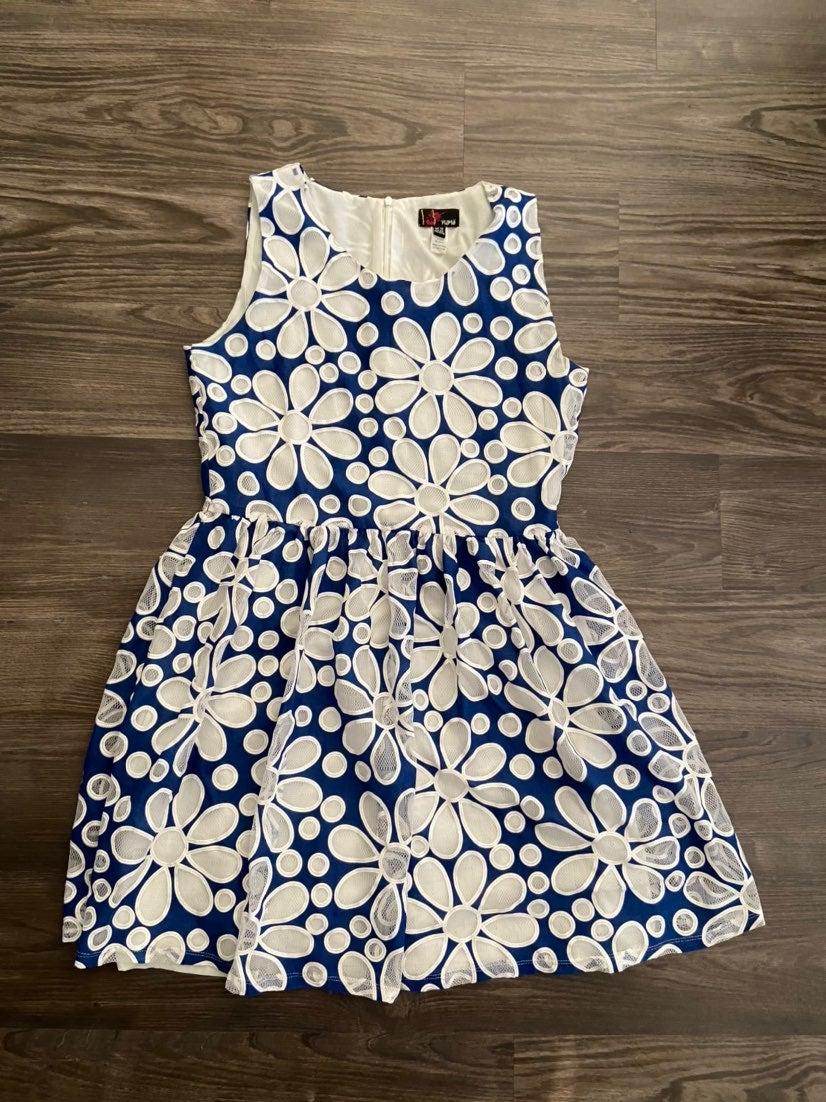 Women's floral dress - medium