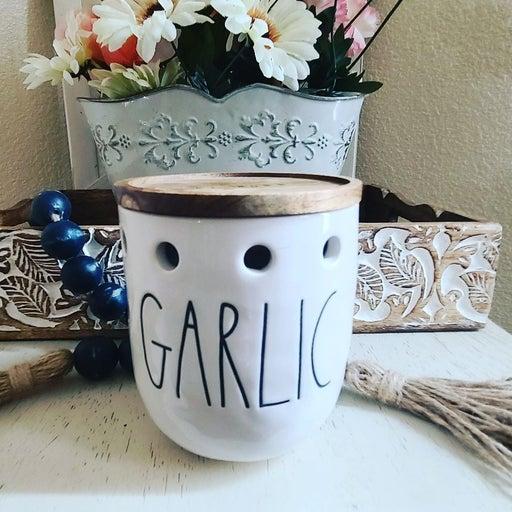 Rae Dunn garlic