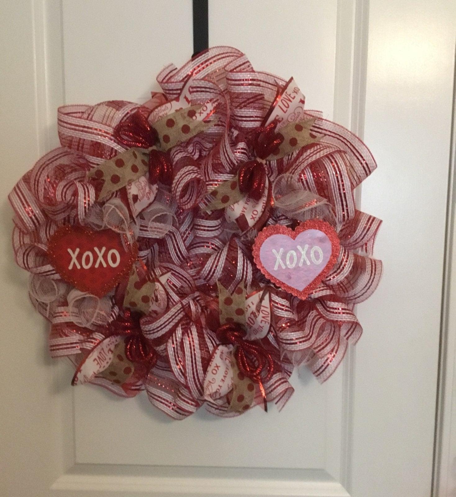 """Valentine's """"XOXO"""" Wreath"""