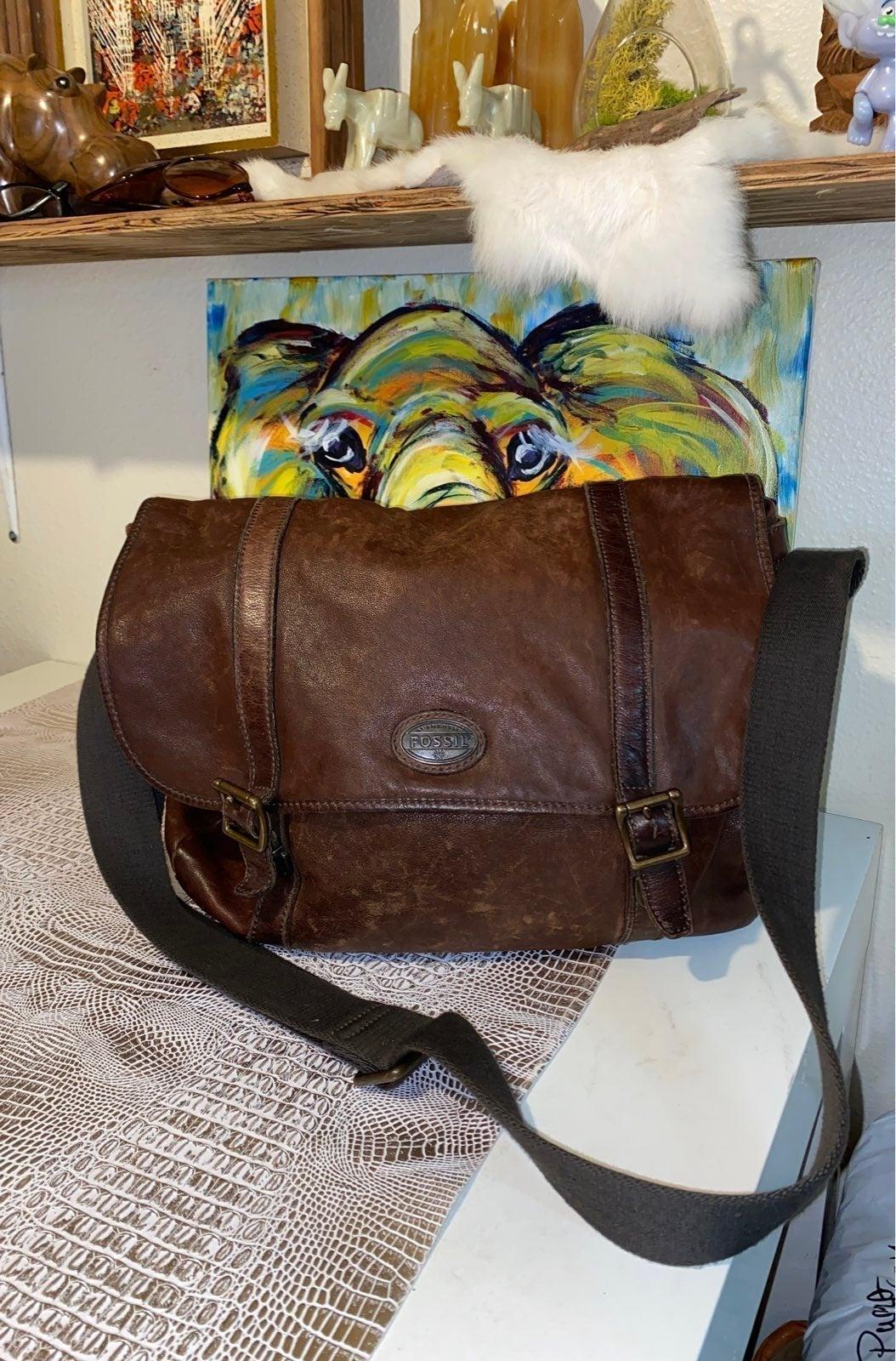 Fossil Messenger bag