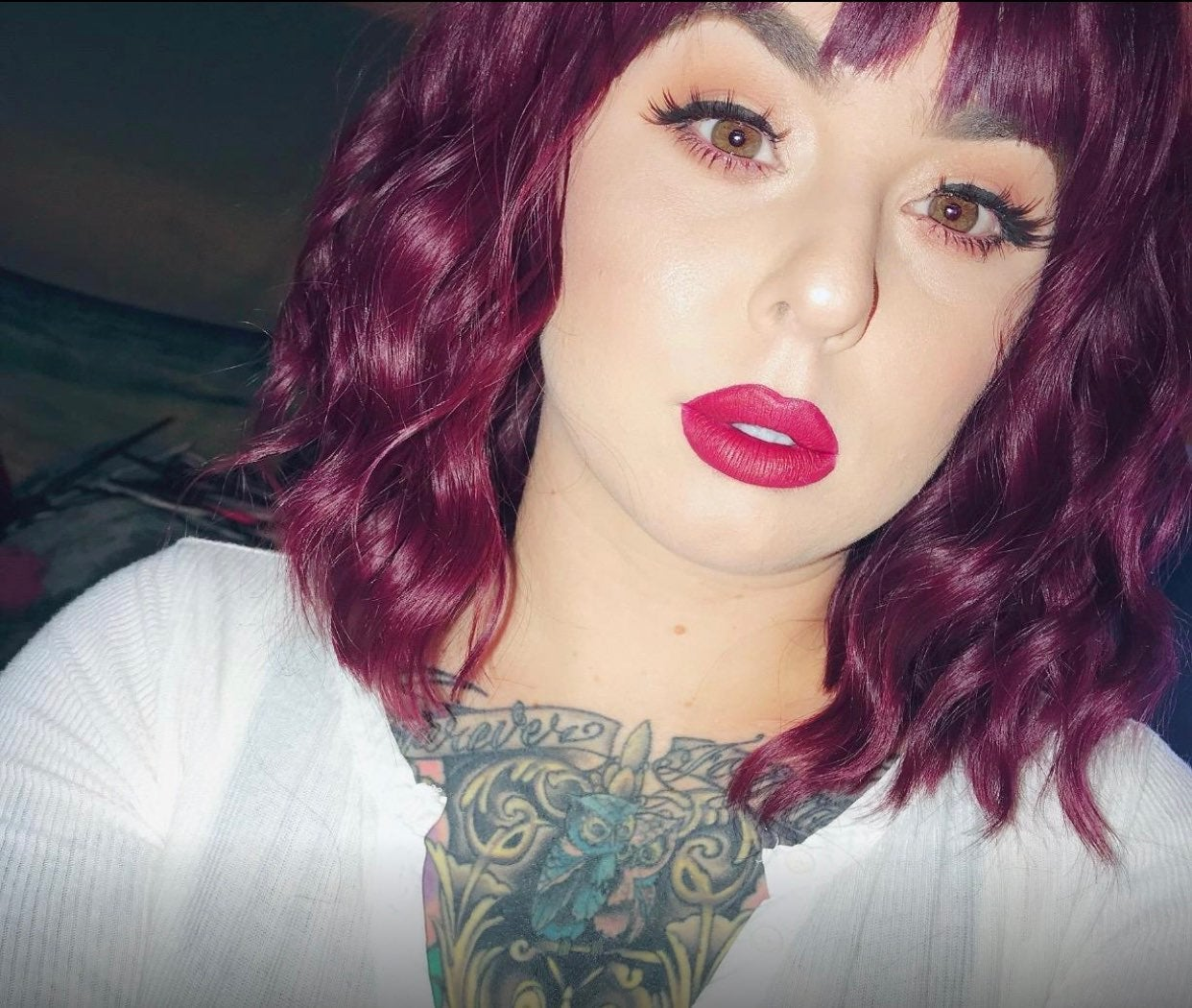 Synthetic Wine Red Curly Bob Wig with Ba