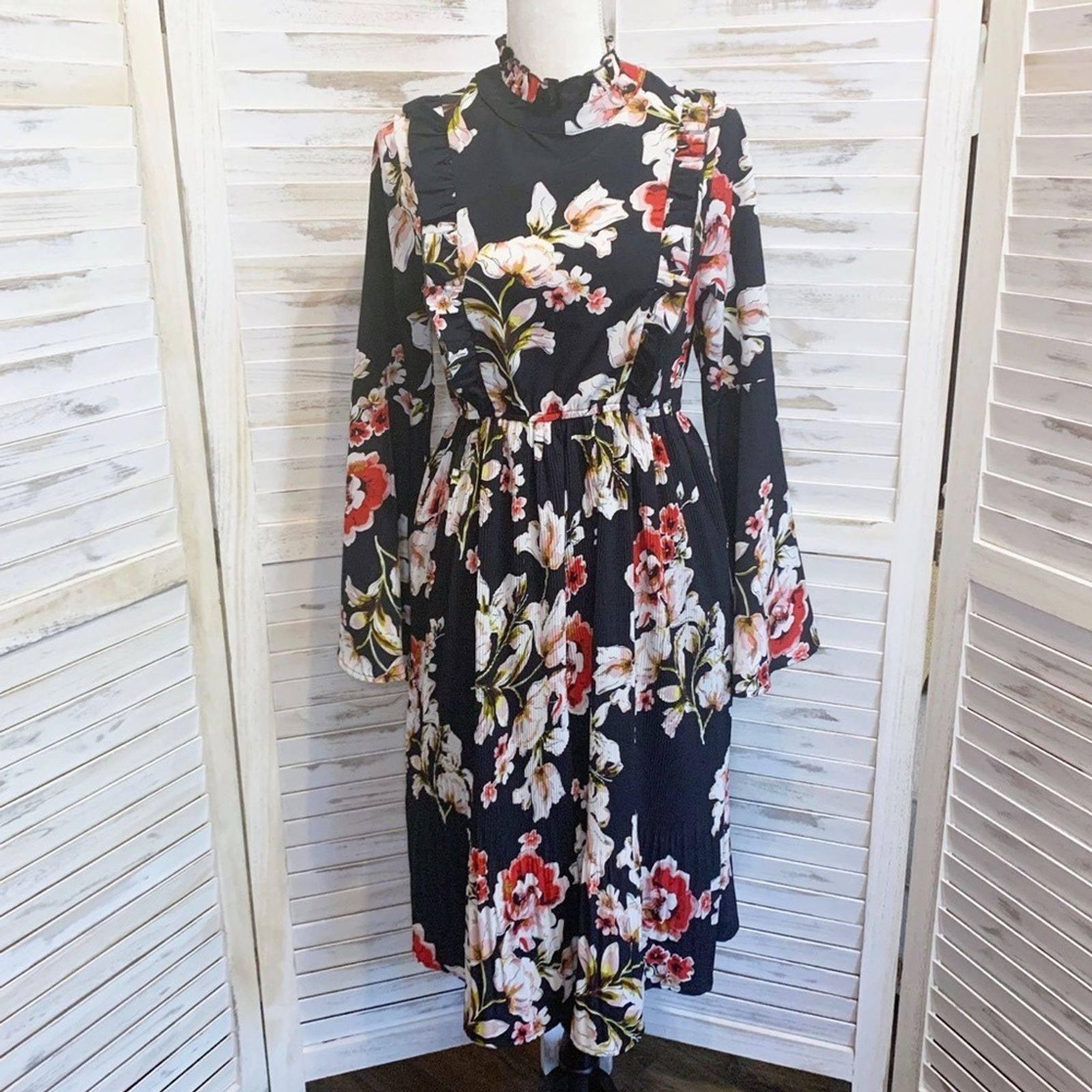 Lulu's Garden Glory Pleated Midi Dress S