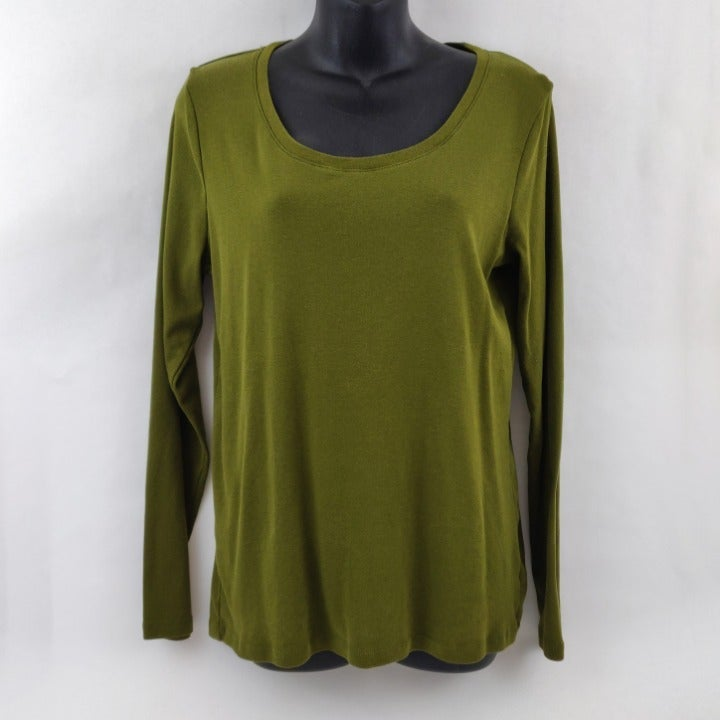 Long Sleeved Green Knit Tee