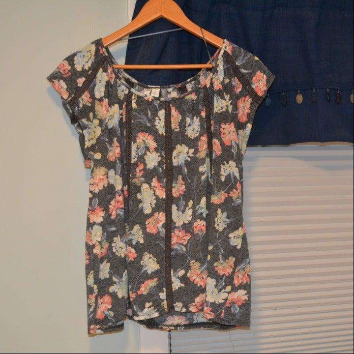 Lauren Conrad XL breezy floral top