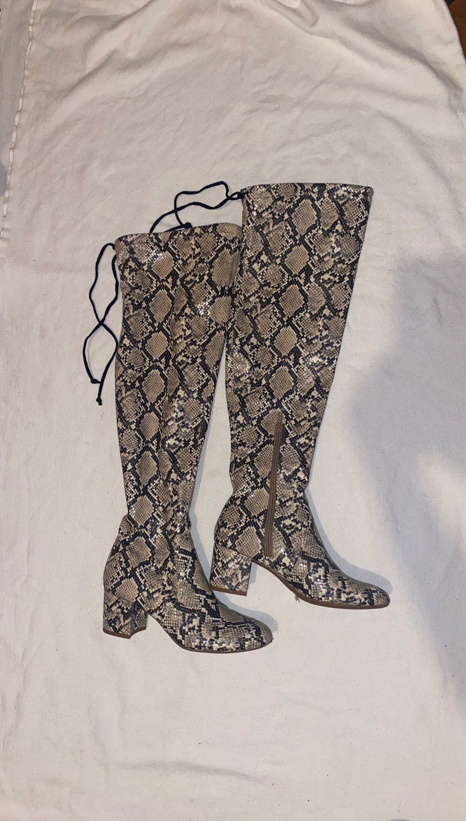WOMENS OVER THE KNEE BOOTS SNAKESKIN