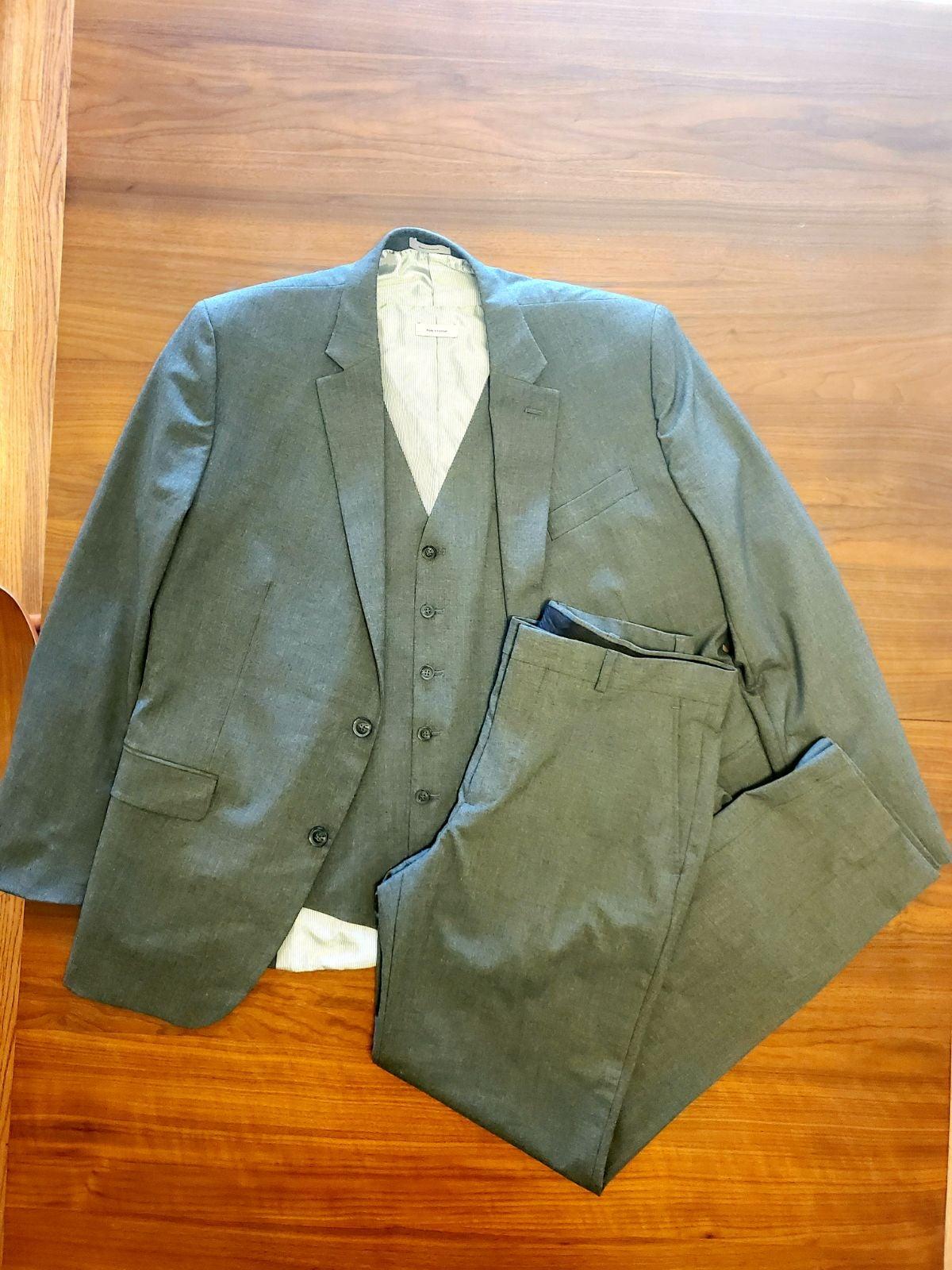 3 Piece Men's Gray Suit