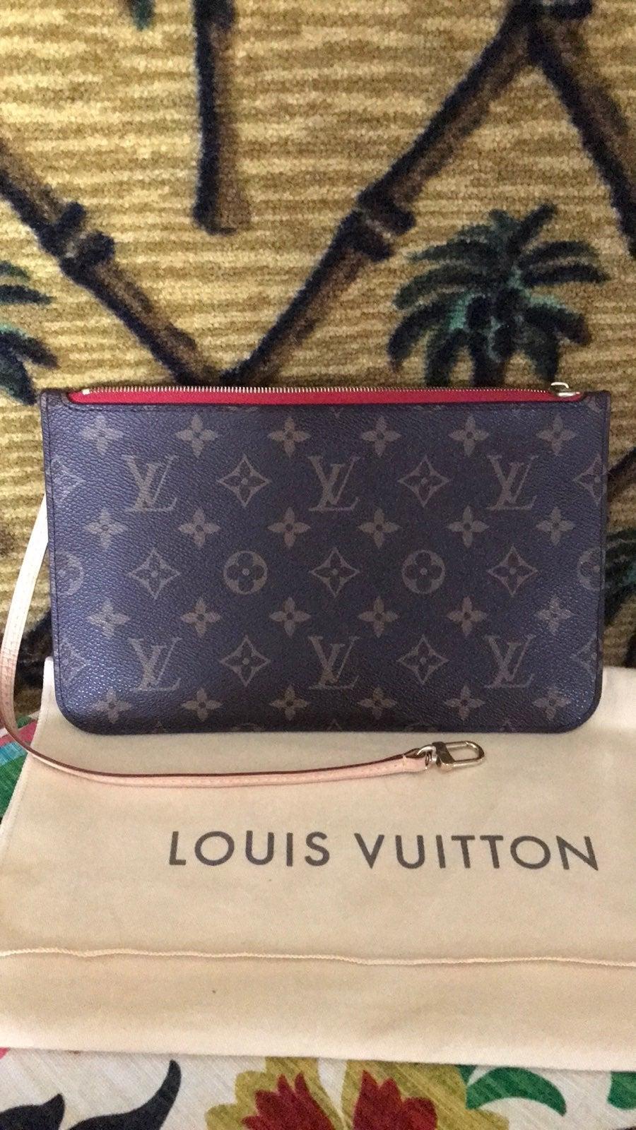 Louis Vuitton neverfull mm pochette