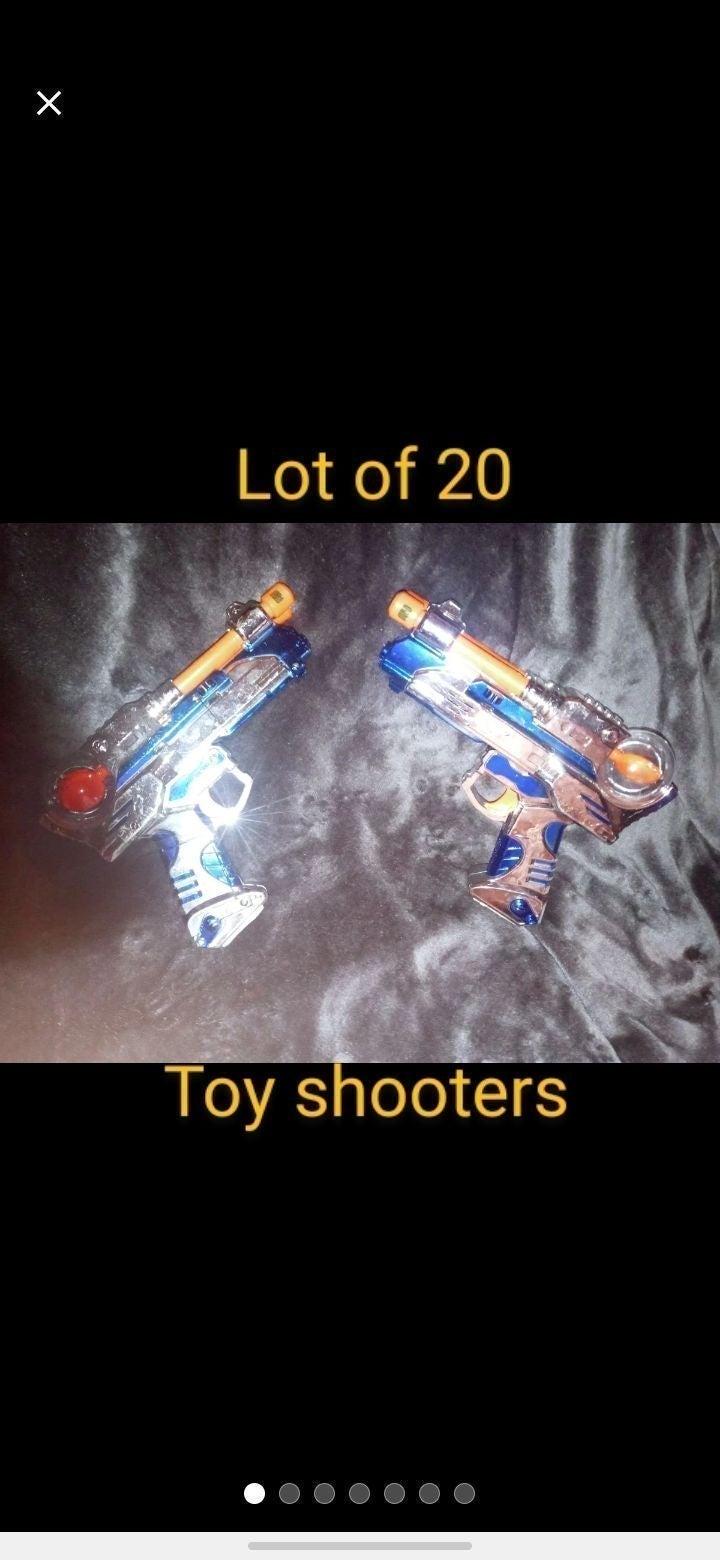 Lot of 20 laser guns