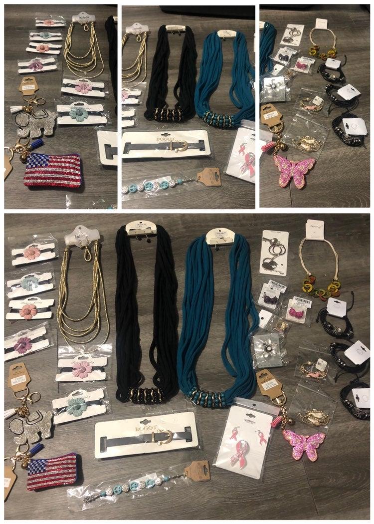 26 piece jewelry lot