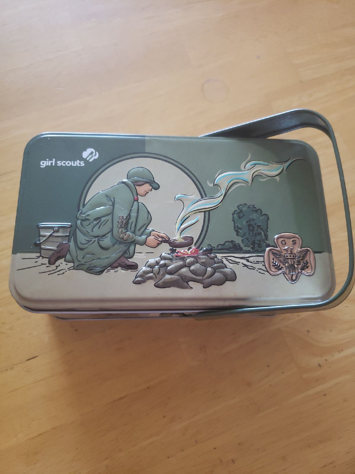 Girl scout embossed tin with handle