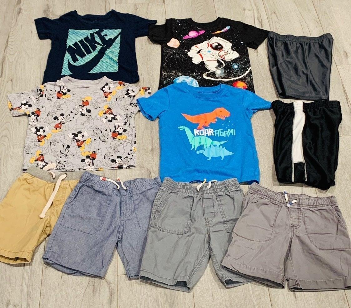 Boys 5T Lot of Clothes!
