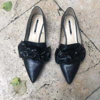 927057ca9c2df Zara Black Leather Pointed Bow Flats
