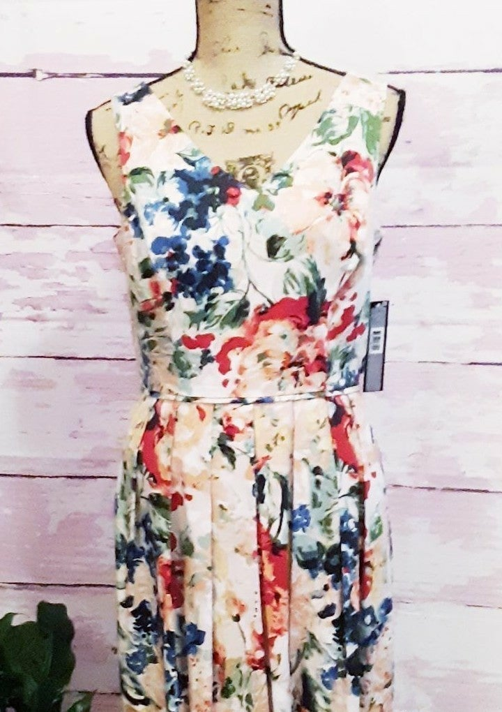 Nwt. Tarahi Floral Dress