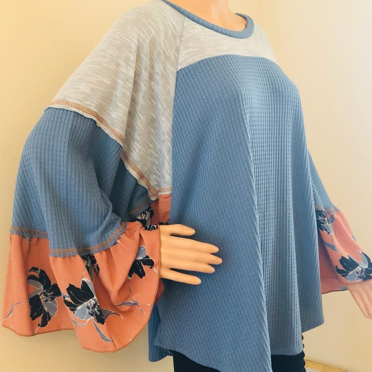 Nwt Hummingbird Bohemian style blouse