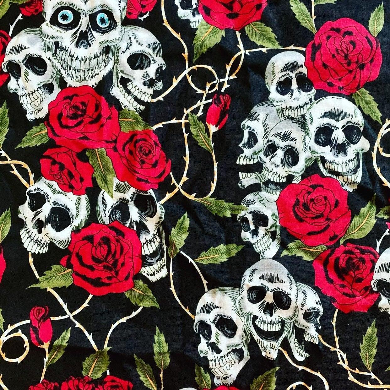 Skull & Roses Mask