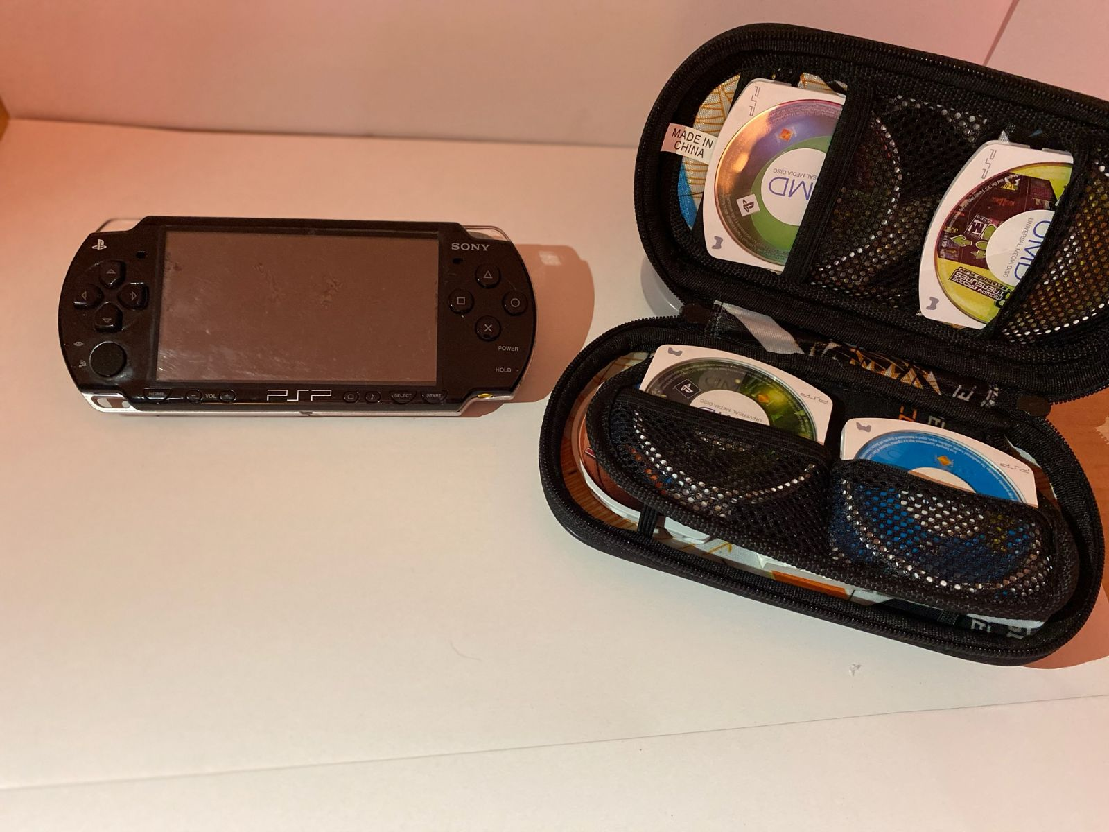 PSP 2000 with 6 games, SNES emulator