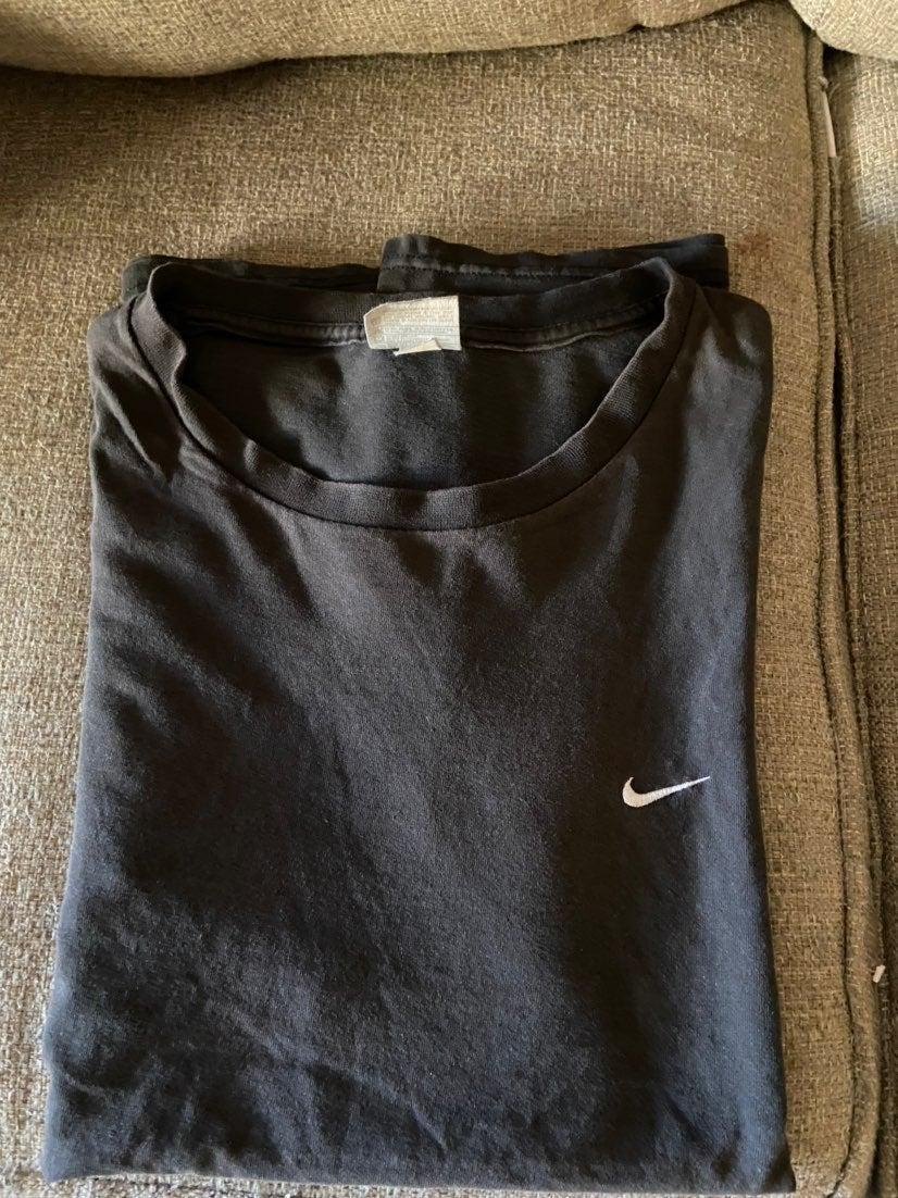 Nike mini swoosh tee shirt
