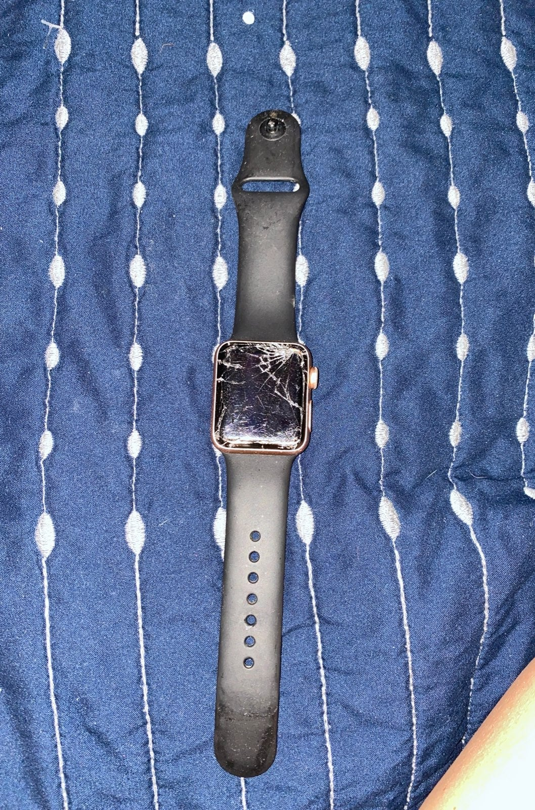 series 3 Apple watch cracked screen