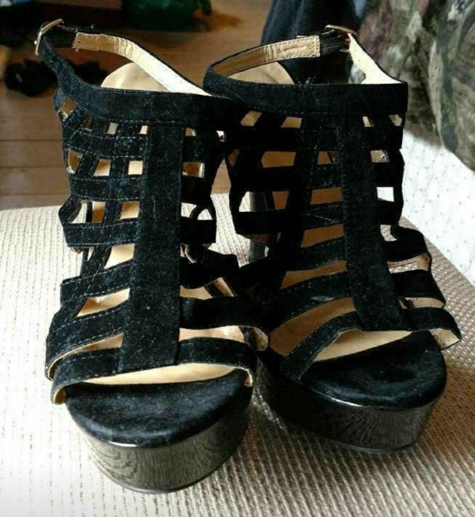 Wet seal sandal heels