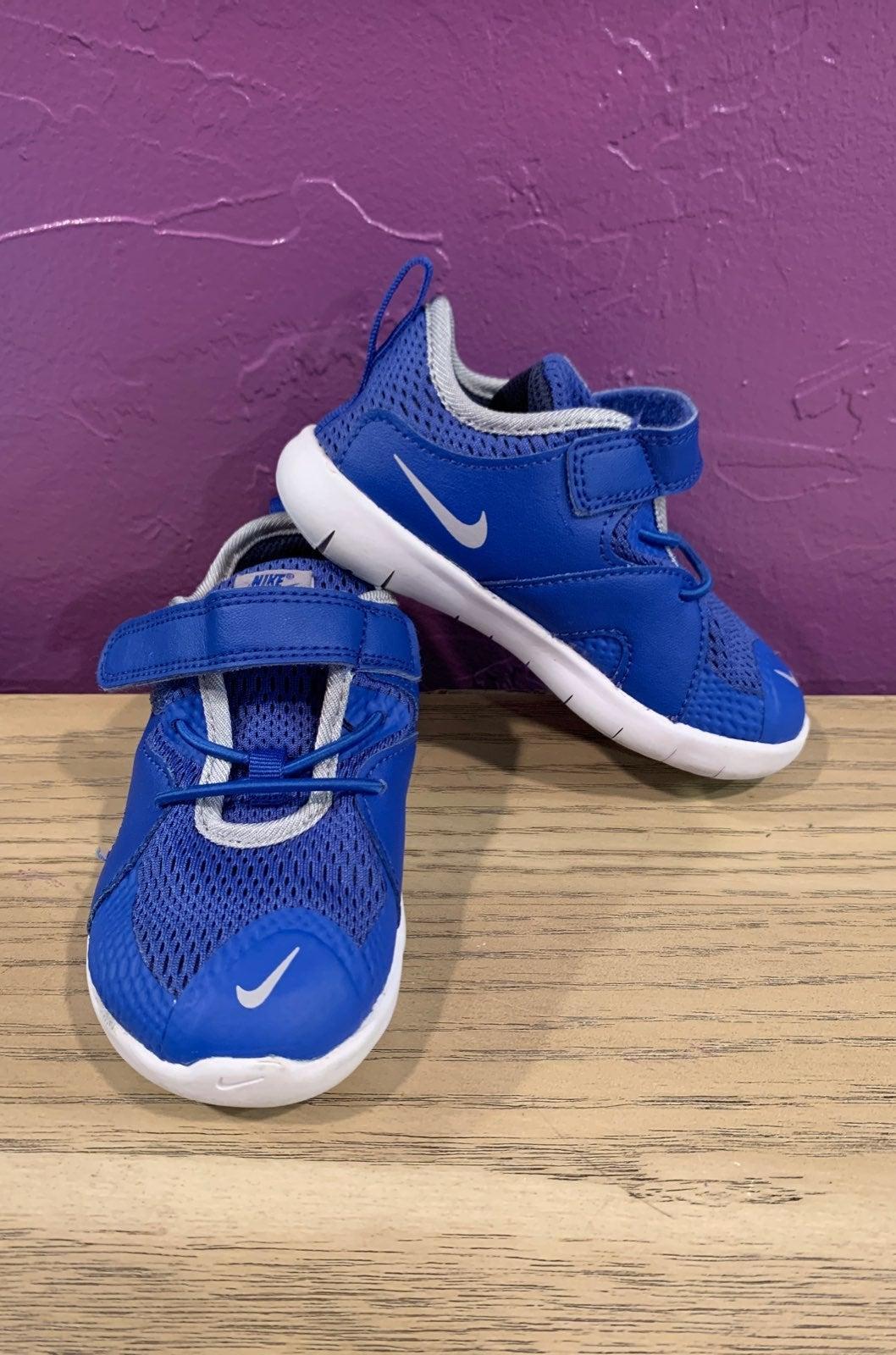 Nike Flex blue toddler 8C tennis shoe