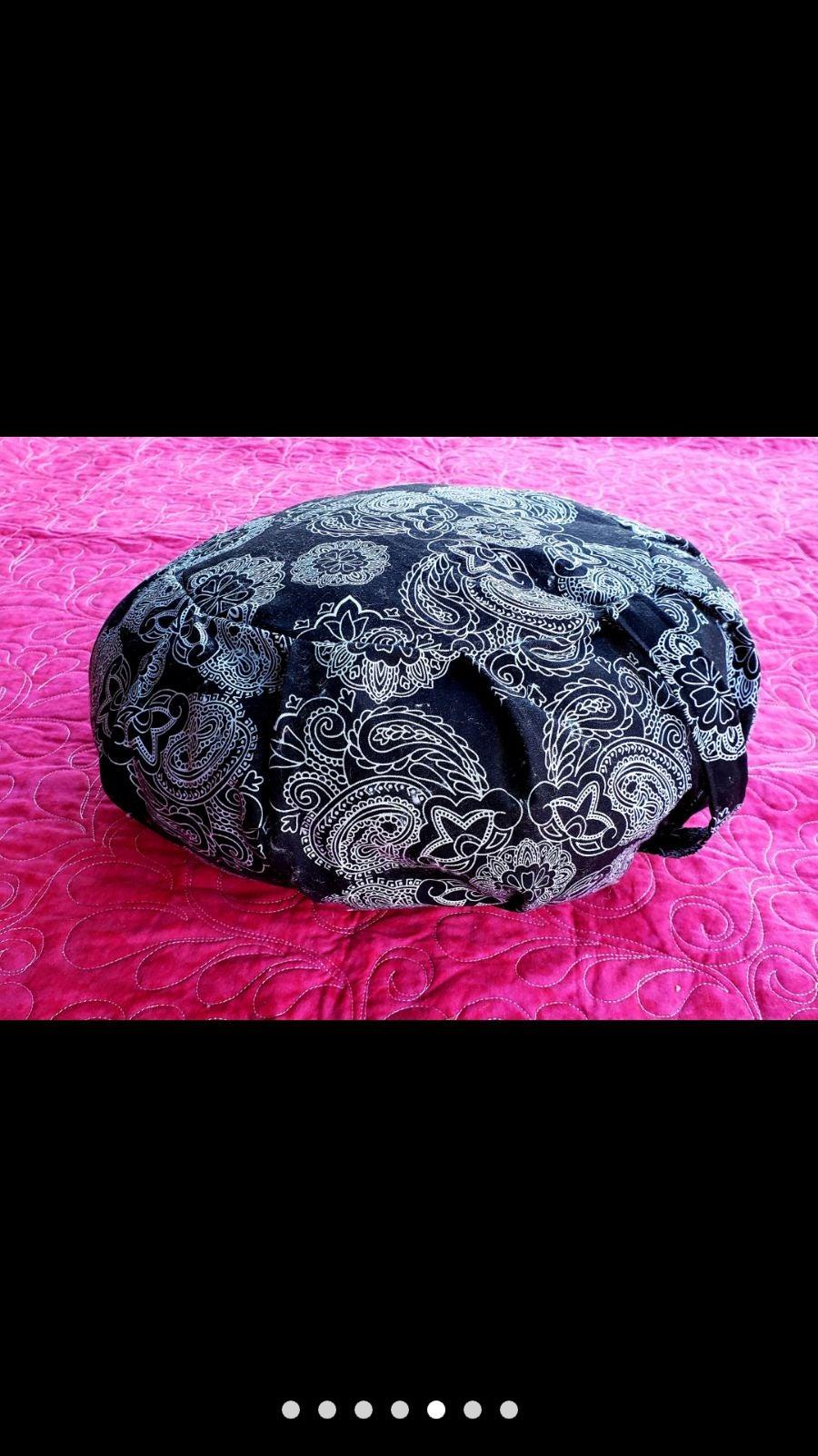 ON SALE Handmade zafu Meditation Cushion