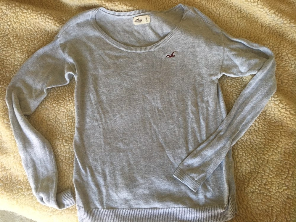 Hollister long sleeve sweater
