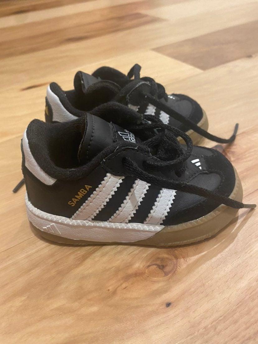 Toddler size 4 adidas sambas