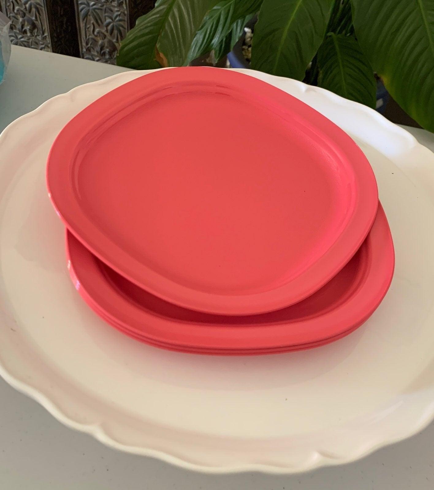 Tupperware Legacy Dessert Plates Set