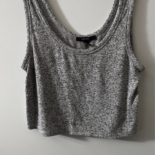 Forever 21 Crop Top M