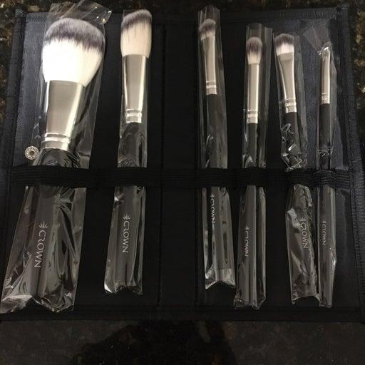 Crown Six Piece Brush Set