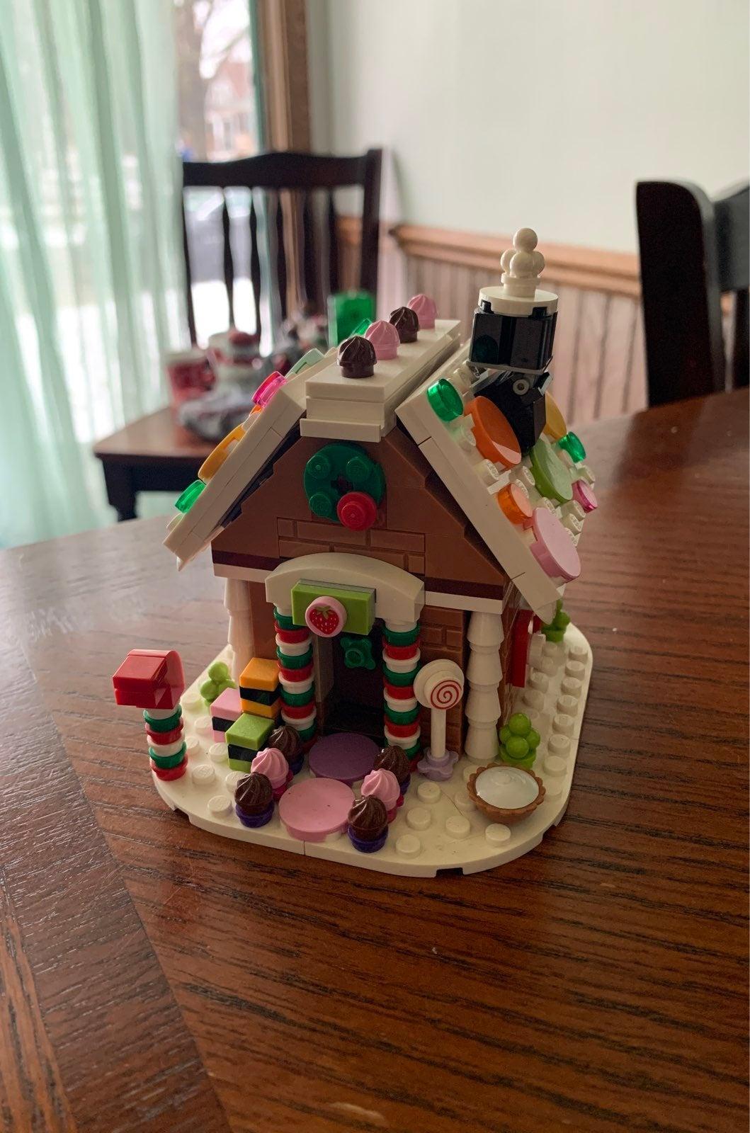 Lego Gongerbread House 2015